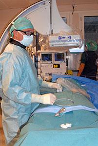 Figur 1. Ultralydveiledet punksjon i høyre lyske.